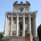 temple_antoninus2